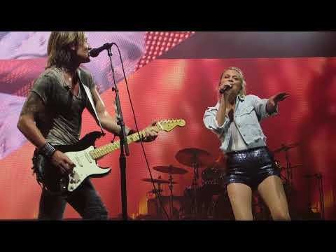 "Keith Urban ""We Were Us (feat. Kelsea Ballerini)"" Live @ BB&T Pavilion"