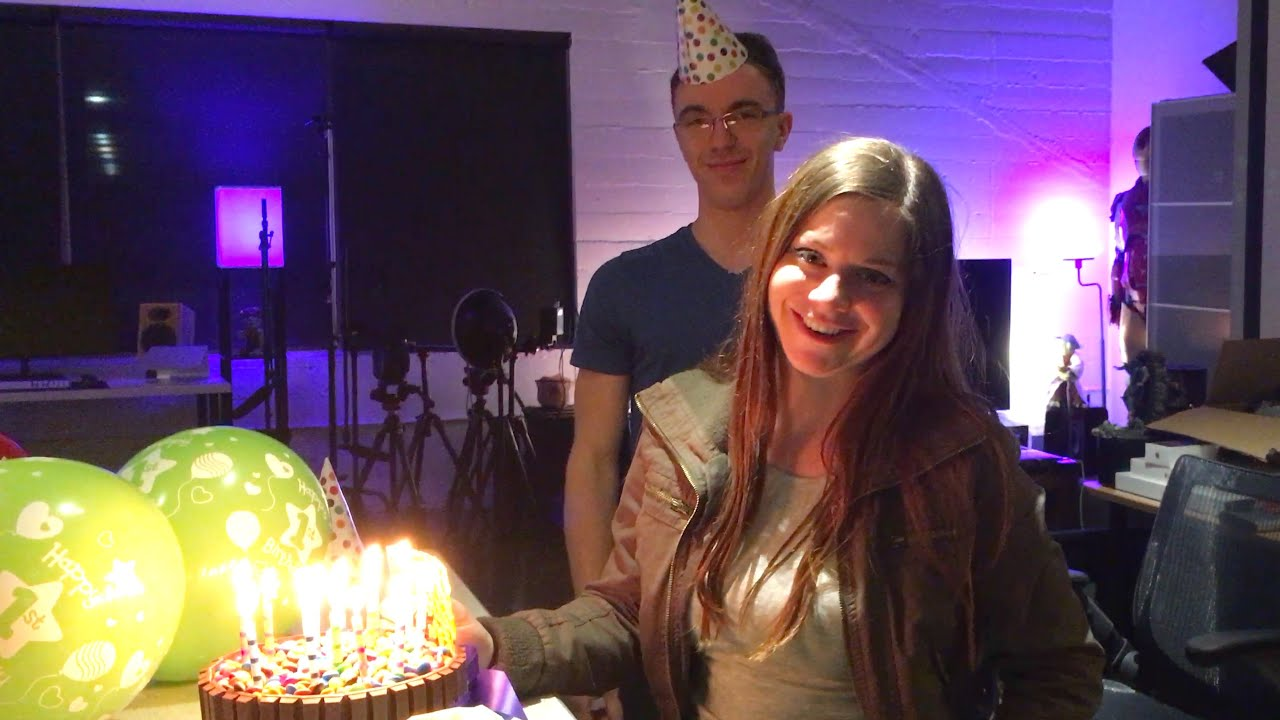 BIRTHDAY SURPRISE WITH ELLY AWESOME! - Everyones favorite Australian came down not expecting a birthday surprise!