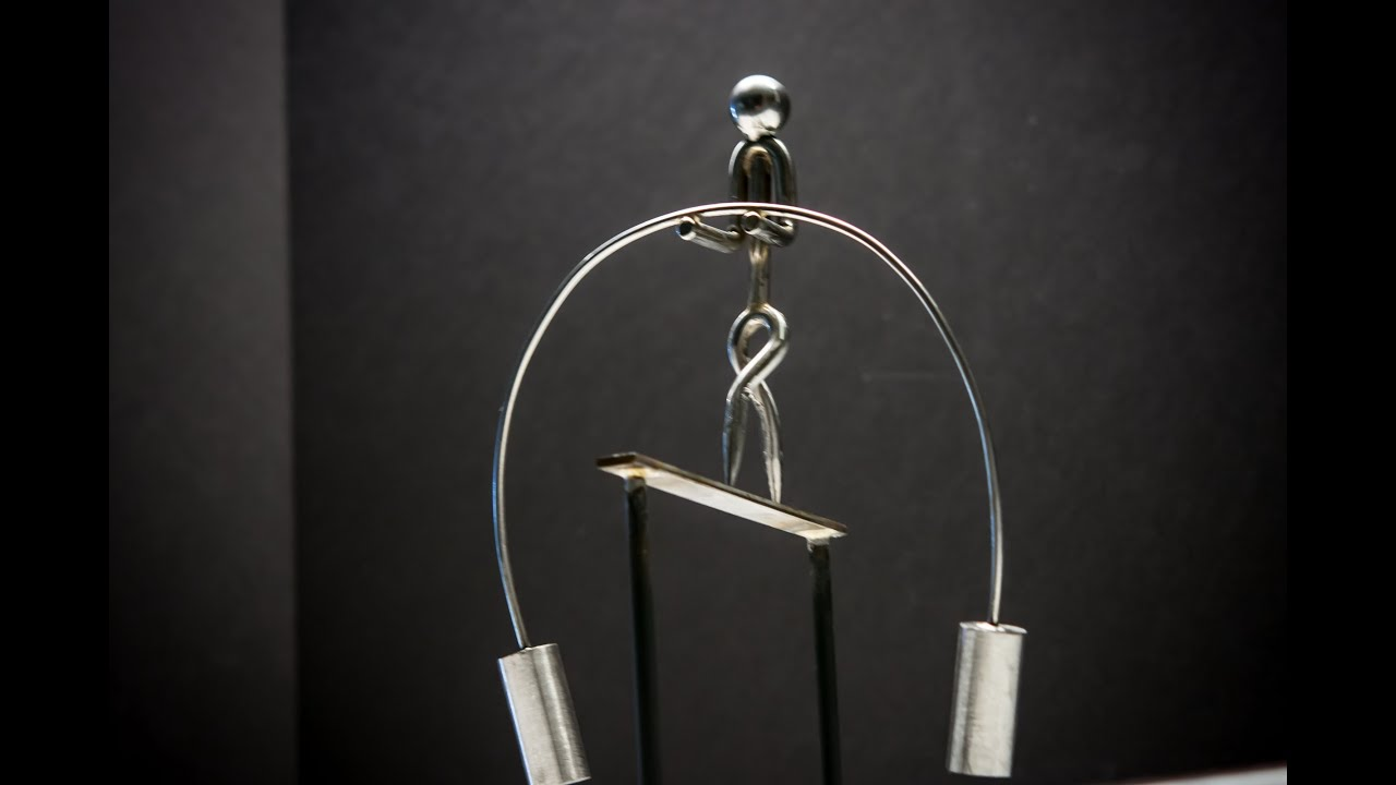 The Large Rope Walker Kinetic Balancing Desk Toy Physics Sculpture