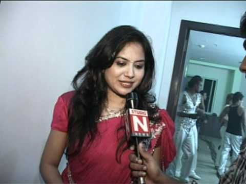 2012 new year wishes by singer sunitha youtube for House music singers