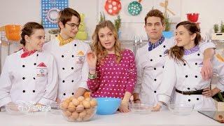 "Monica Chef - Giulia presenta la ""Cooking Challenge"" tra Isabel, Javi, Jordi e Maria"