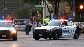 USA: snipers kill five police officers at Dallas racism protest