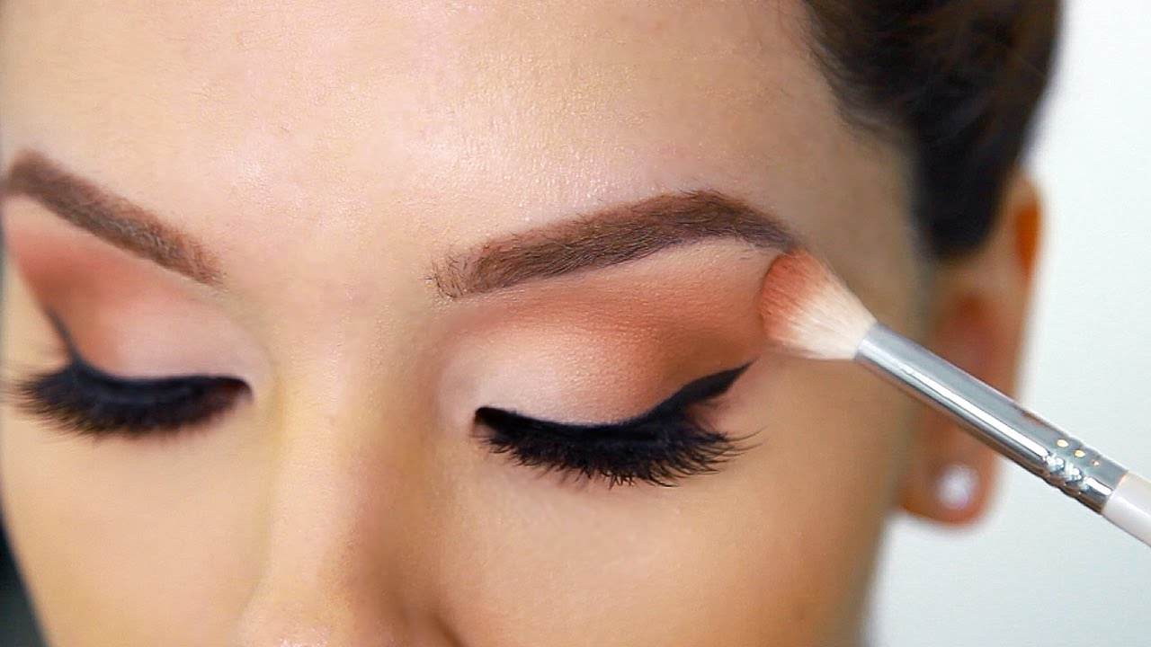 How To Apply Eyeshadow Perfectly Beginner Friendly Hacks Youtube