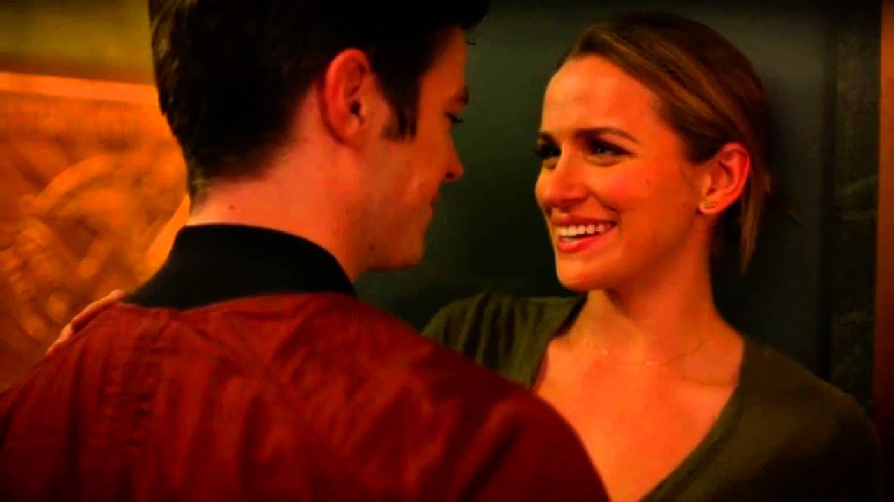The Flash 2014 2x6 Barry And Patty Kiss Youtube