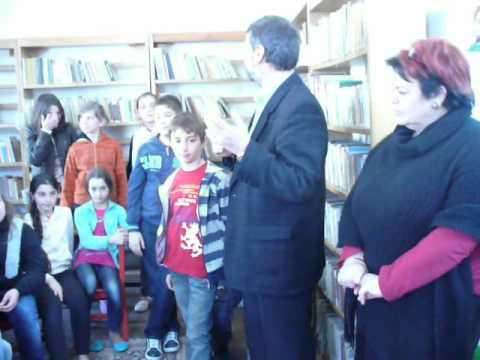 Biblioteca Municipala Lugoj Scoala Altfel Dorin Murariu 2 04 2012 Video1 AWMOV Adriana Weimer