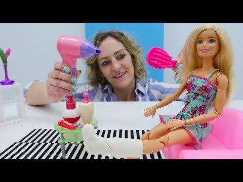 Nicoles Spa Salon. Spielzeugvideo mit Barbie für kinder.