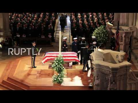 USA: Mourners pay respects at George HW Bushs funeral
