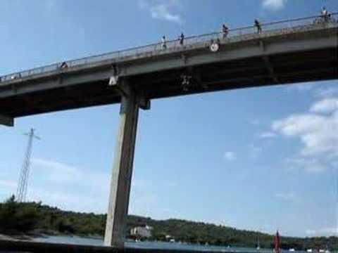 20 meters high bridge jump
