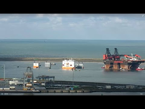 Dockwise Vanguard loading SSCV Hermod (Webcam)
