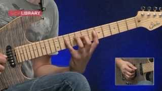Tom Quayle A minor Blues Scale Legato Lick Lesson With FREE TAB - LickLibrary