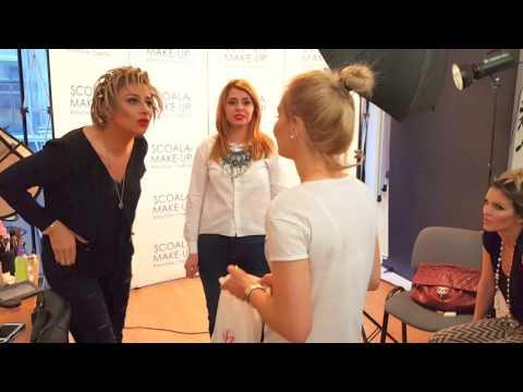 Anamaria Prodan, probleme cu bagajul la întoarcere în România: Niciodată nu pot să închid fermoarul from YouTube · Duration:  4 minutes 41 seconds