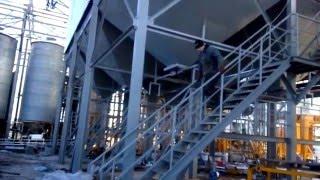 как правильно передвигаться по лестнице