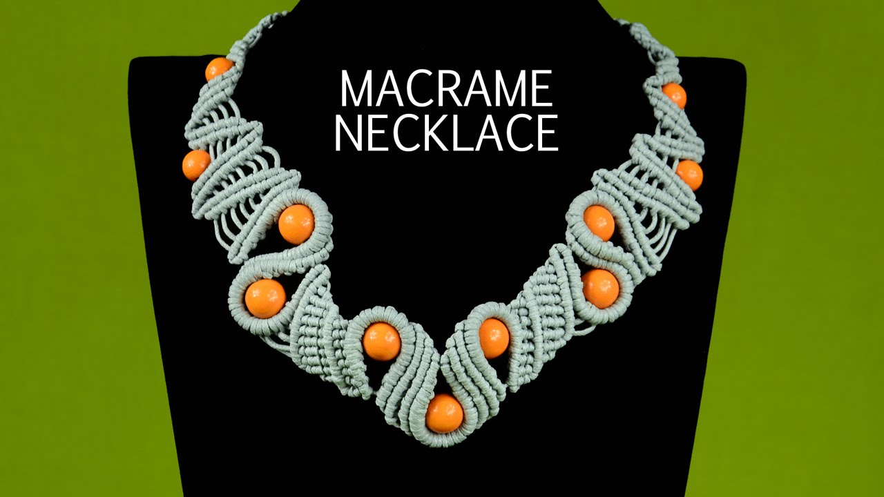 Snaky Macramé Necklace Tutorial