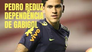 Chegada de Pedro reduz dependência do Flamengo em relação a Gabigol