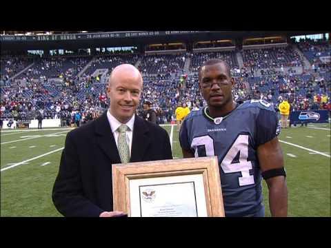 Seahawks Bobby Engram - Volunteer Service Award