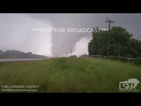 04-29-2017 Eustace, TX Tornado crossing 175 - StormWarriors.TV