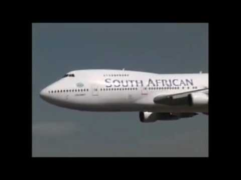 Amazing pilot of South African Airlines Low Pass