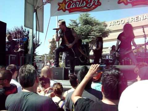 Rev Theory - Voices live at WWE The Bash 2009 (Low quality)