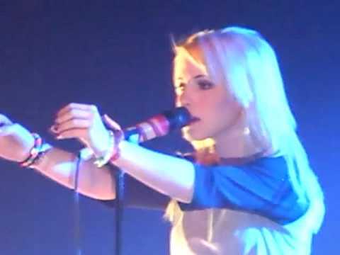 Paramore Caught Myself Twilight Live @ Fox Theater Pomona 092909