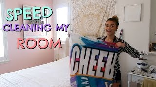 SPEED CLEANING MY MESSY ROOM!