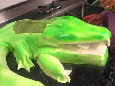 How to make an alligator cake