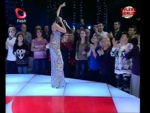 Ayşe Dinçer  -  Şimdiki Kızlar Erkekleri Kandırıyor 2013