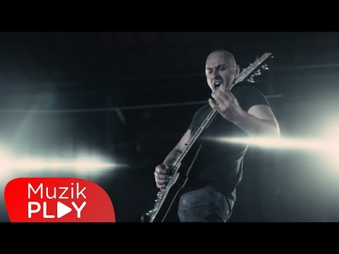Demir Demirkan - Şah Damarımdan (Official Video)