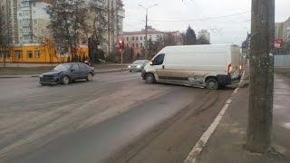 Авария буса и легкового авто. 16.02.2016.