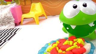 Игрушки для детей - Приключения Ам Няма - Готовим пирог