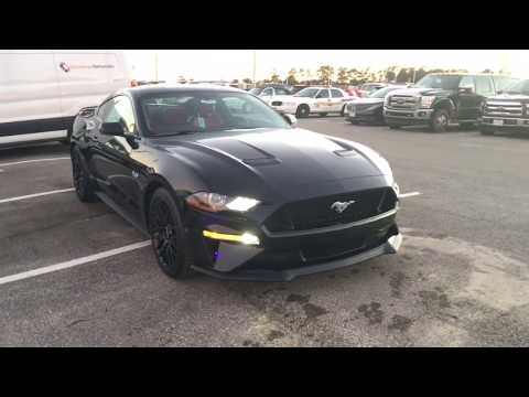Ford Mustang GT . Review