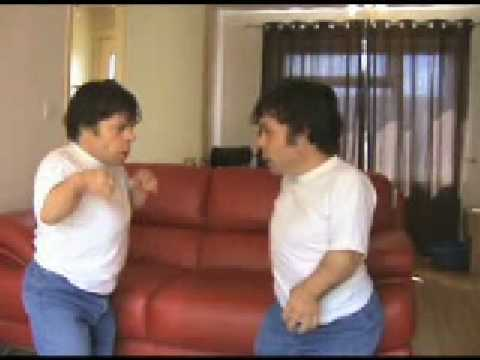 twin midgets fight youtube