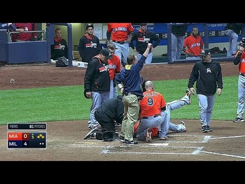 Giancarlo Stanton leaves game after hit during swing
