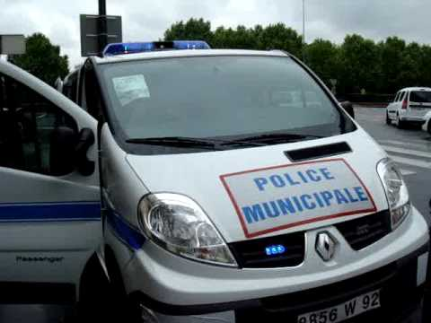 equipement police municipale renault trafic youtube. Black Bedroom Furniture Sets. Home Design Ideas