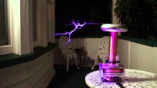 Axel F - Musical Solid State Tesla Coil