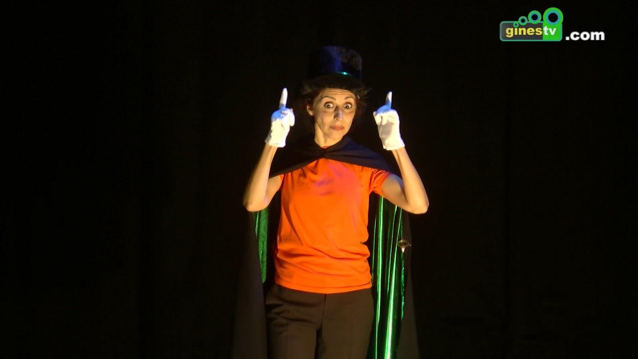 El teatro cómico gestual llenó de risas El Tronío con la representación de 'Por señas'