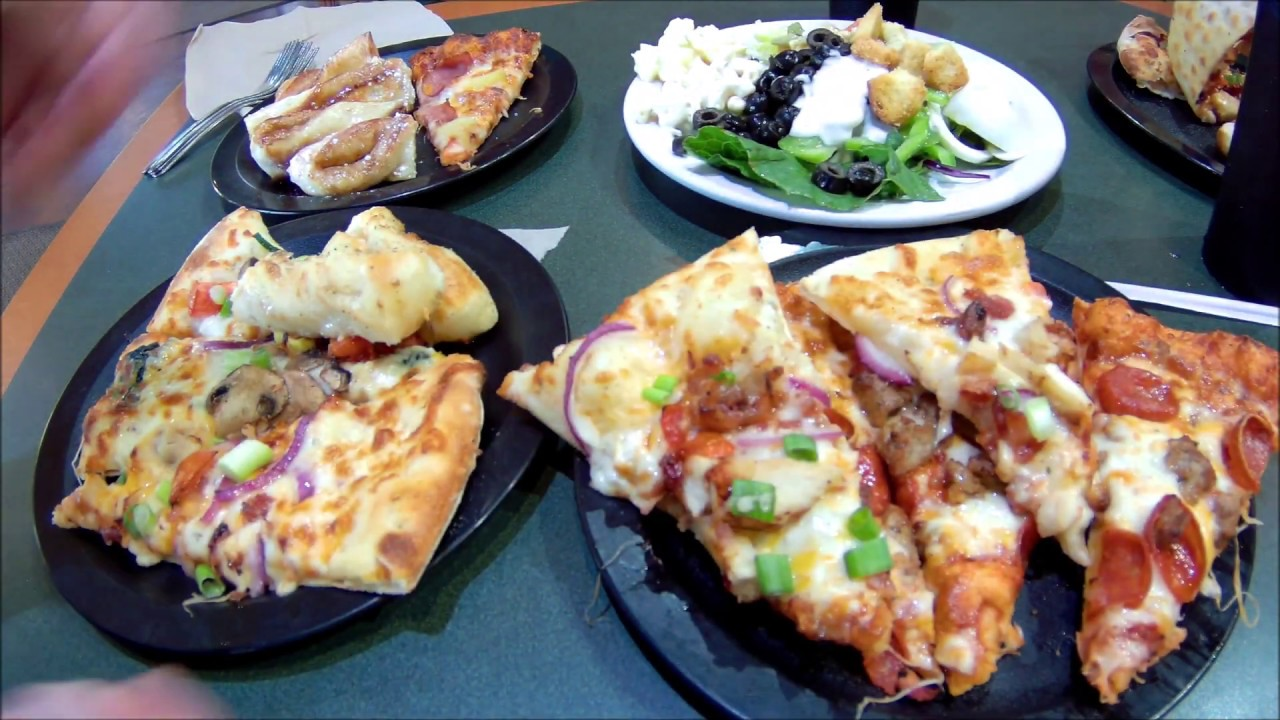 Having Lunch At Round Table Pizza Buffet Youtube