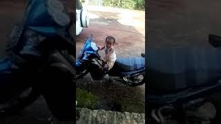 Download Video Rafi anak bogel MP3 3GP MP4
