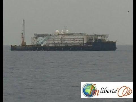 Video exclusive d'un navire qui pompe du pétrole au large des côtes togolaises.