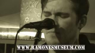 Brian Fallon 1930  live Ramonesmuseum Berlin The Gaslight Anthem acoustic