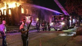 بالفيديو والصور.. 'ثورة غضب' في سانت لويس الأمريكية ردا على تصاعد عنف الشرطة ضد 'السود'
