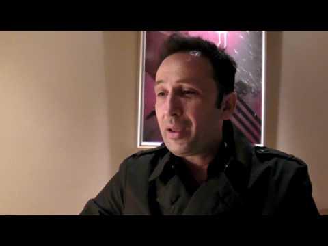 4 Μαύρα Κοστούμια  Συνέντευξη Ρένου Χαραλαμπίδη