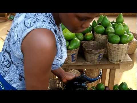 Marché aux fruits et légumes de Kpalimé - Togo - Kodak playsport .mp4
