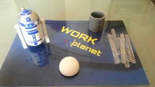 R2D2 con material reciclado