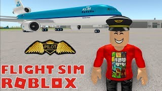 TRAINING TO BECOME A PILOT IN ROBLOX FLIGHT SCHOOL!