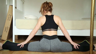 Middle Splits Stretch Flexibility Workout