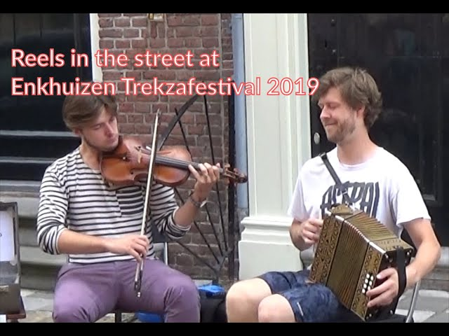 Enkhuizen Trekzakfestival 2019 - Busking in the streets at dutch button box festival.