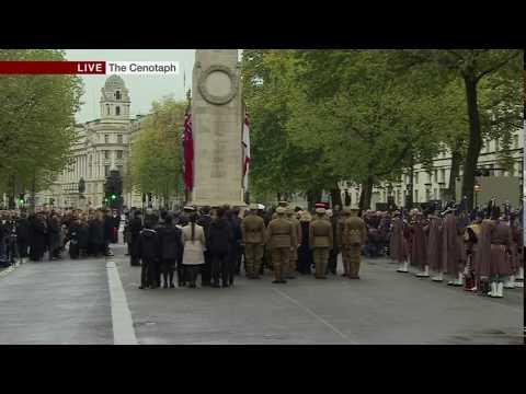 BBC News - Remembrance Day 2017 - Big Ben chimes