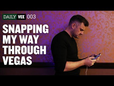 SNAPPING MY WAY THROUGH VEGAS  | DailyVee 003