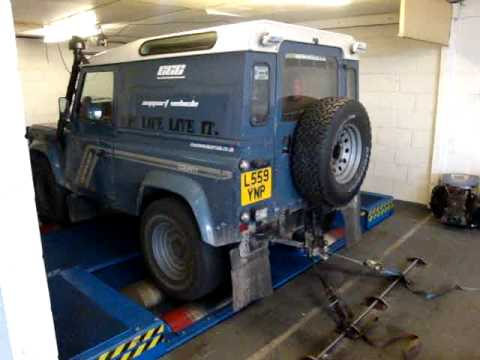 my landrover defender 90 200tdi doing its first ever rolling road