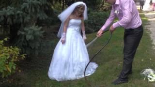 Невеста купается